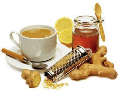 Двойной удар чая с имбирем и лимоном