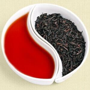 Заваренный чай шу пуэр