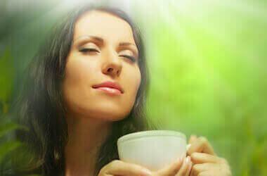 Зеленый чай: помощник в борьбе с лишними килограммами