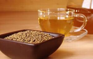 Кружка желтого чая