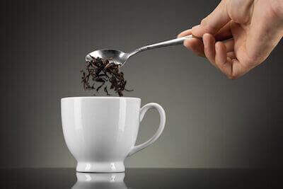 Кружка черного чая