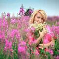 Девушка в поле иван чая