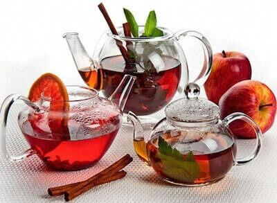 Чай каркаде в чайнике