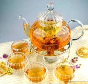 Стеклянный чайник используют для заваривания чая разных видов