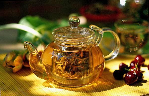 Заварочный чайник с сетчатым контейнером для чайного листа