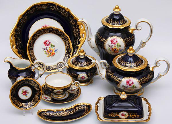 Фарфоровый чайный сервиз